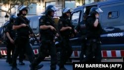 Поліція після нападу в Барселоні, Іспанія, 17 серпня 2017 року