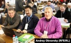 Сергей Ревенко (справа)