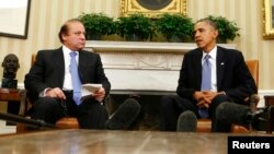 Пәкістан премьер-министрі Наваз Шариф (сол жақта) пен АҚШ президенті Барак Обама. Вашингтон, 23 қазан 2013 жыл.