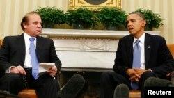 Президент США Барак Обама (праворуч) і прем'єр-міністр Пакистану Наваз Шаріф під час зустрічі в Білому домі, 23 жовтня 2013 року
