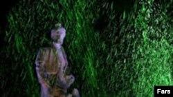 مجسمه فردوسی، آفریننده اثر حماسی شاهنامه در تهران.