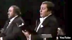 Luciano Pavarotti și Paata Burchaladze în concert în 1986