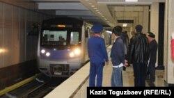 На станции алматинского метрополитена. Иллюстративное фото.