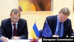 Stefan Fule și vice-premierul ucrainean Serhiy Klyuyev