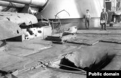Повреждения линкора «Петропавловск» после взятия Кронштадта. Корабль находился в руках мятежников вплоть до подавления восстания.