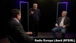 Igor Munteanu, Vasile Botnaru și Ion Jigău în studioul Europei Libere de la Chișinău.