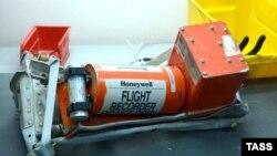 Египетте апатқа ұшыраған ресейлік Airbus A321 ұшағының «қара жәшігі». 2 қараша 2015 жыл.