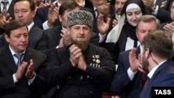 """Иллюзорный """"рыцарь ислама"""" в Чечне заставляет мусульман в других странах доверять России"""