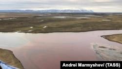 Разлив нефтепродуктов в Норильске