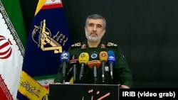 """""""Preuzimam potpunu odgovornost (za tu katastrofu) i prihvatiću svaku odluku koja bude donijeta"""", rekao je viši komandant Revolucionarne garde Amirali Hadžizadeh."""