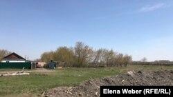 Ғабиден Мұстафин ауылындағы тасқынға қарсы бөгет. Қарағанды облысы, 8 мамыр 2019 жыл.