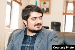 Yazıçı Dilqəm Əhməd.