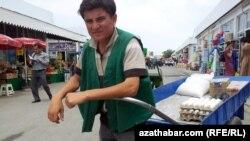 На базаре, Туркменистан