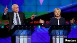 Гілларі Клінтон і Берні Сандерс на теледебатах