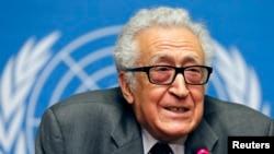 Міжнародний посередник Лахдар Брагімі на переговорах у Женеві, 24 січея 2014 року