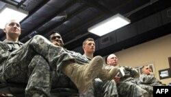 سربازان آمریکایی مستقر در پایگاه هوایی بگرام در افغانستان