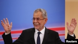 Aleksander Van der Belen, pobednik na predsedničkim izborima u Austriji