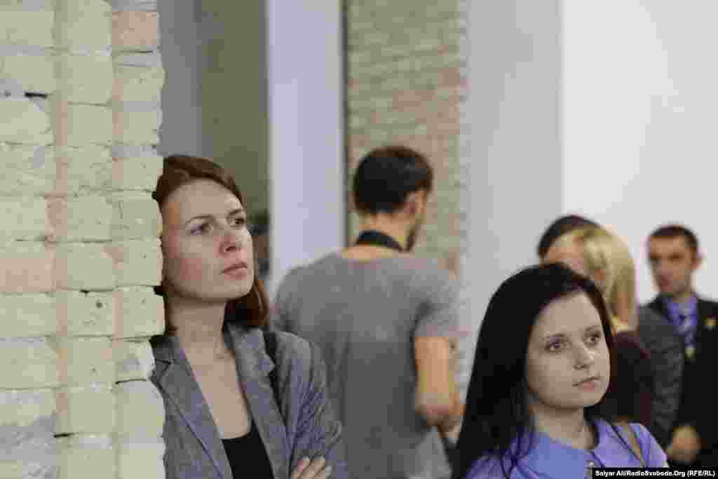 Авторка книжки«Говорить Радіо Свобода» Олена Ремовська та стажер Радіо Свобода Ольга Беца