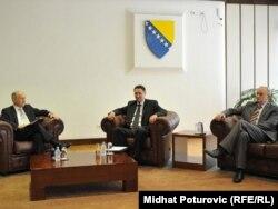 Valentin Inzko tokom jednog od razgovora sa čelnicima Parlamenta BiH.