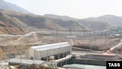 Сангтўда-1 ГЭСи шу кунда аввалги 5,4 миллион кВт/соат ўрнига эндиликда бир кеча-кундузда 2,7 миллион кВт/соат электр ишлаб чиқармоқда.