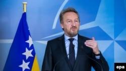 Softić ima legitimitet da u ime BiH, preduzima sve pravne radnje u vezi s tužbom: Bakir Izetbegović