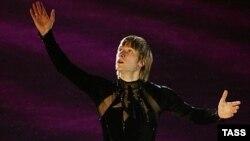 Повлияет ли программа Фонда поддержи Олимпийцев на выбор Евгения Плющенко - остаться в большом спорте или перейти в профессионалы?