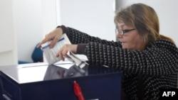 На одній з виборчих дільниць в Боснії і Герцоговині, 2 жовтня 2016 року