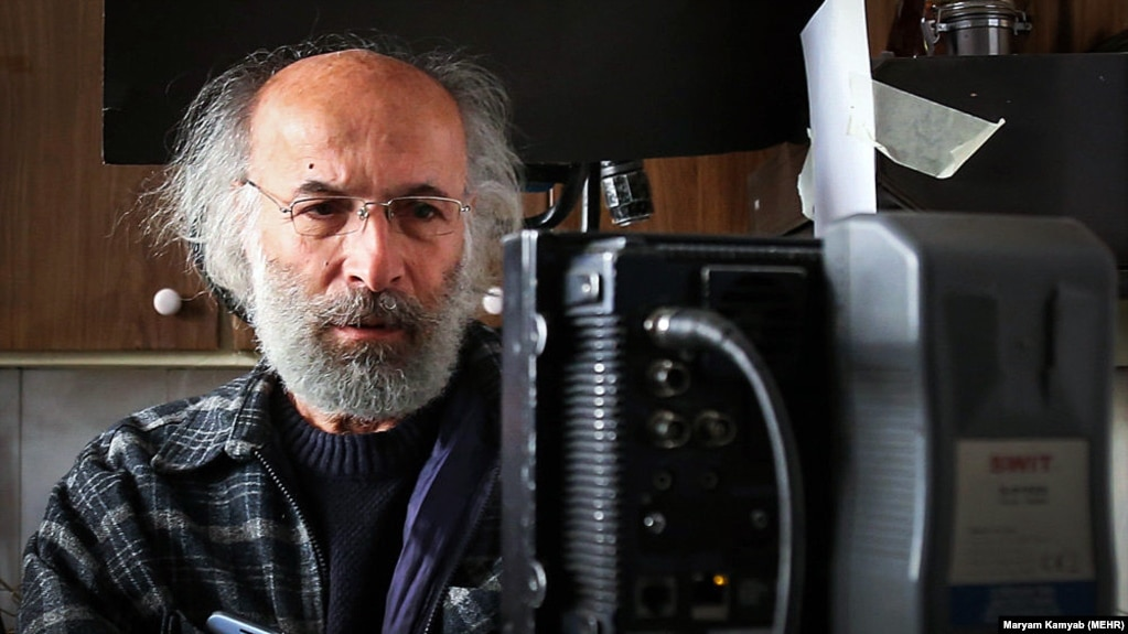 بعد از تنوره دیو (۱۳۶۴)، تقریباً اکران تمام فیلمهایی که عیاری بهعنوان کارگردان-مؤلف ساخته به دیوار بلند سانسور برخورده است.