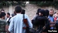 Группа «прибывших в Сирию казахских джихадистов». Кадр с видео в сети Youtube.