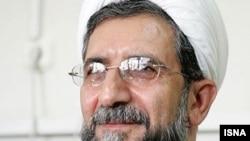 هادی قابل در سال های اخیر انتقادات تندی به علی خامنه ای رهبر ایران و حامیان سیاسی محمود احمدی نژاد، رییس جمهوری ایران وارد کرده بود. (عکس از ایسنا)