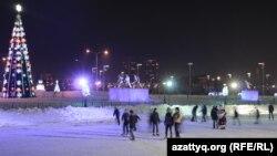 Предновогоднее оформление центра Астаны. 28 декабря 2014 года.