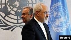 محمد جواد ظریف، وزیر خارجه ایران، همراه آنتونیو گوترش، دبیرکل سازمان ملل، در ژٰوئیه ۲۰۱۷ در مقر ملل متحد