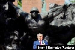 Президент Казахстана в Парке имени 28 гвардейцев-панфиловцев.