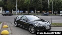 Tesla на дарогах Менску