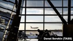 Аэропорт, архивное фото