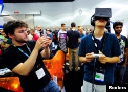 Лос Анжелеста Oculus Rift башлыгын тәкъдим итү