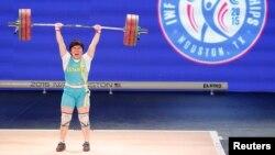 Қазақстандық ауыр атлет Жазира Жаппарқұл Хьюстондағы әлем чемпионатында.