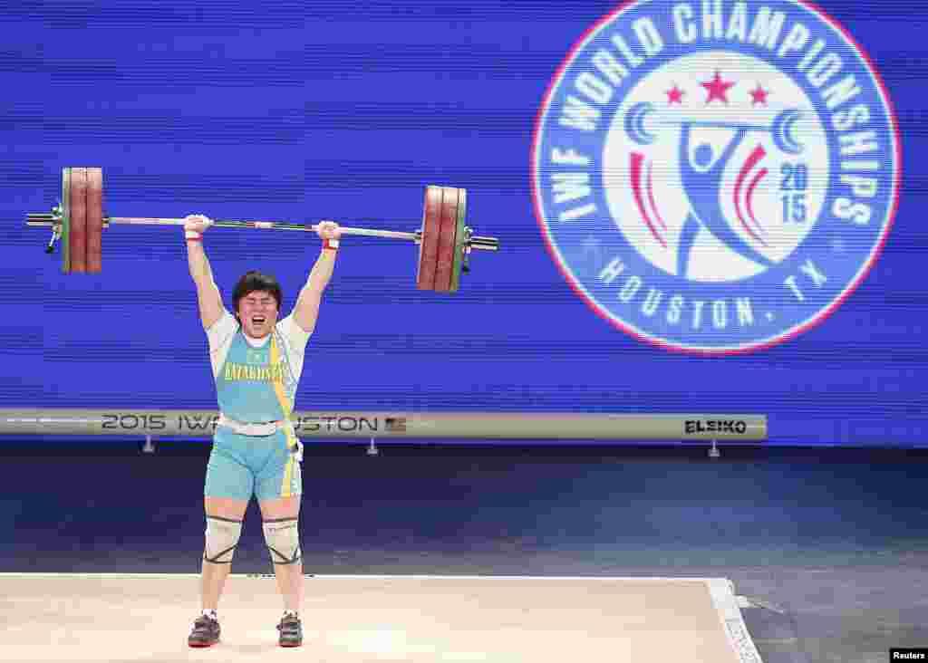 Жазира Жаппаркул завоевывает второе место на чемпионатах мира второй год подряд. Она выступает в весовой категории до 69 килограммов.
