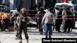 Forțe de securitate la locul atacului din Kabul