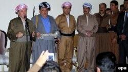 رئيس إقليم كردستان العراق يتحدث الى قوات البيشمركة الكردية