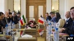 Իրանի և Ֆրանսիայի արտգործնախարարներ Մոհամադ Ջավադ Զարիֆի և Լորան Ֆաբիուսի բանակցությունները Թեհրանում, 29-ը հուլիսի, 2015թ․
