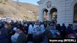 Крещенское богослужение в церкви Воскресения Христова у поселка Форос, 19 января 2020 года