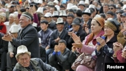 Residents of Jalal-Abad gather to listen to President Kurmanbek Bakiev on April 13.