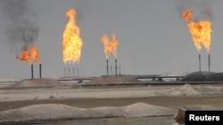 Добыча нефти в мире по-прежнему превышает реальный спрос на нее - на 1-1,5%