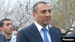 Armenia - Samvel Aleksanian, a businessman and parliament deputy, attends an election campaign rally in Yerevan's Malatia-Sebastia district, 16Apr2012.