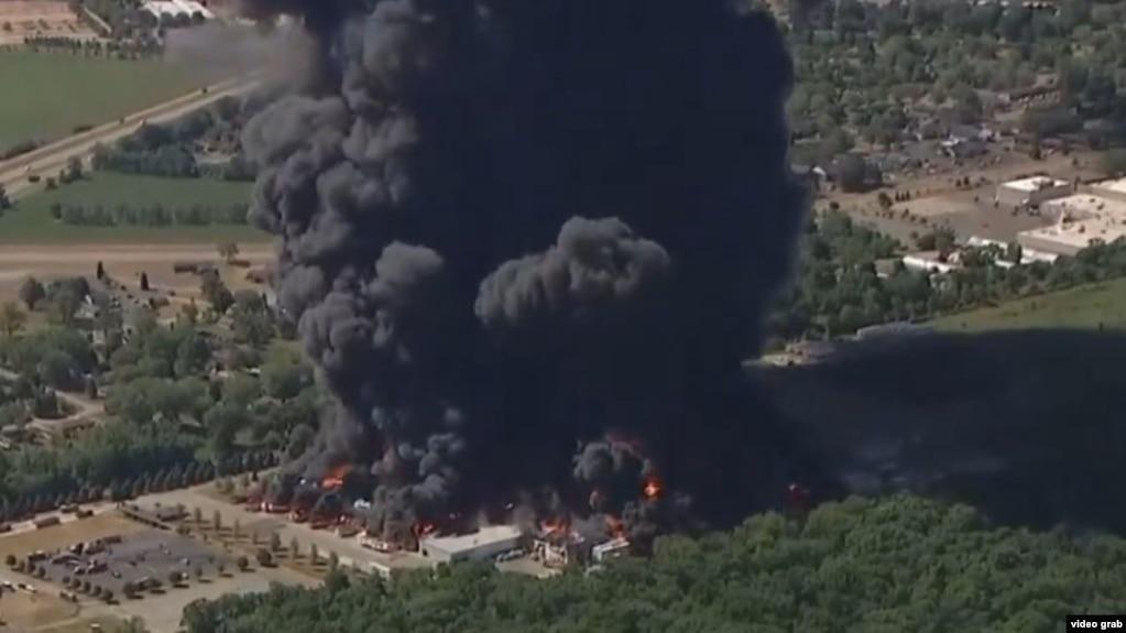 تصویری ویدئویی از حادثه آتشسوزی در مجتمع شیمیایی «چِم تول»