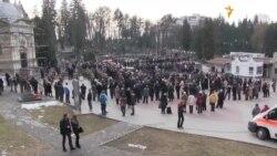 У Львові підняли державний прапор над могилами загиблих майданіців