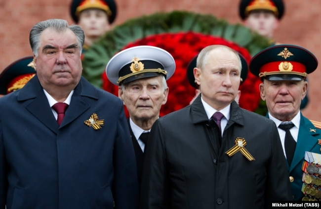 Tajik President Emomali Rahmon (left) was the only foreign head of state in Moscow on May 9.