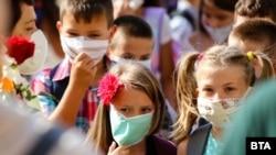 Илустрација: Првиот школски ден во 2020 во Бугарија
