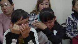 Қытайда ата-анасы қалған балалар